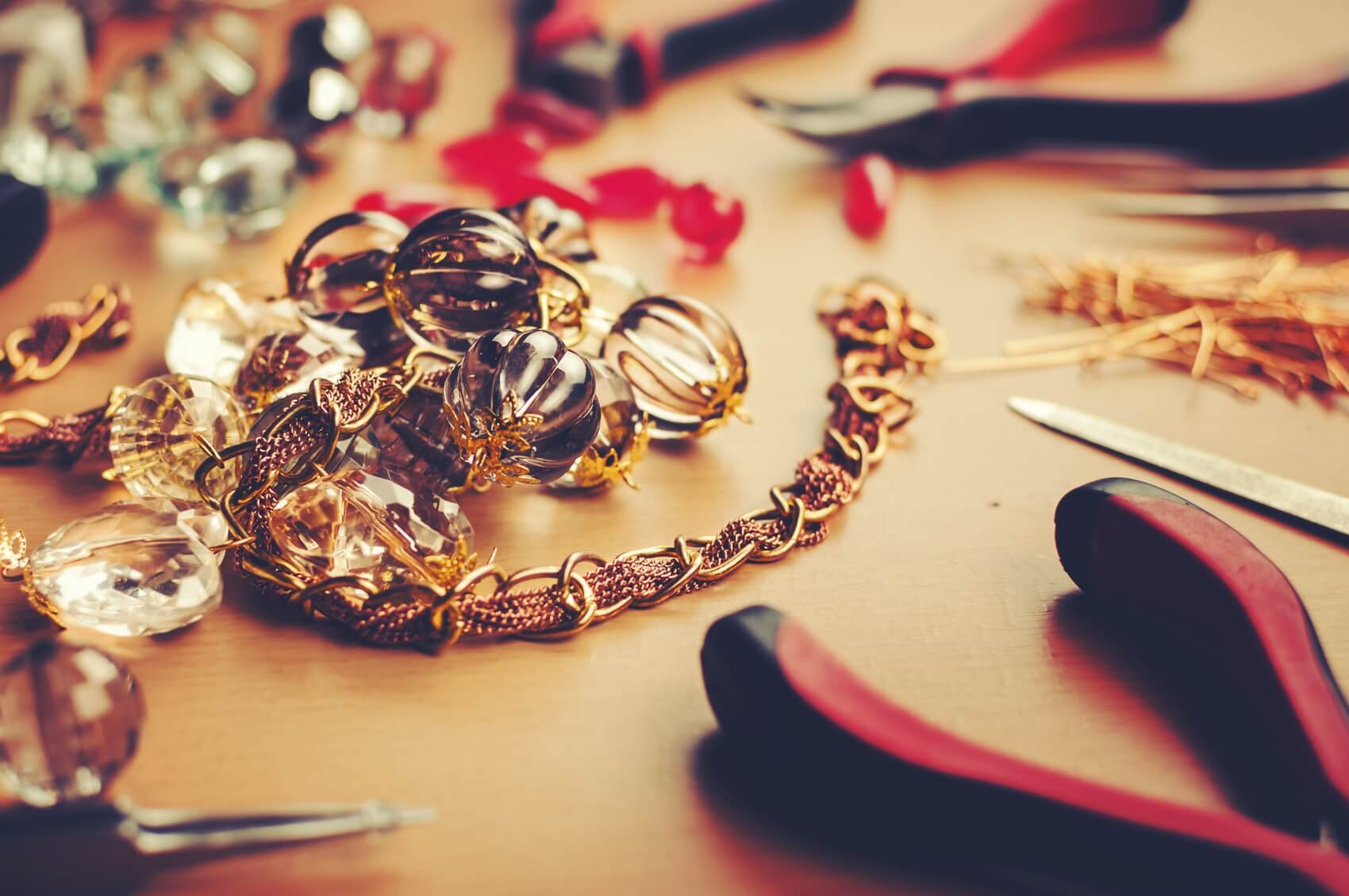 Jewelry-making-000032124800_Medium.jpg.jpeg