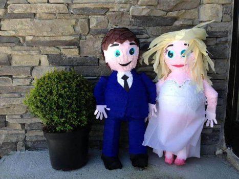 bride-and-groom-3-pinata.jpeg